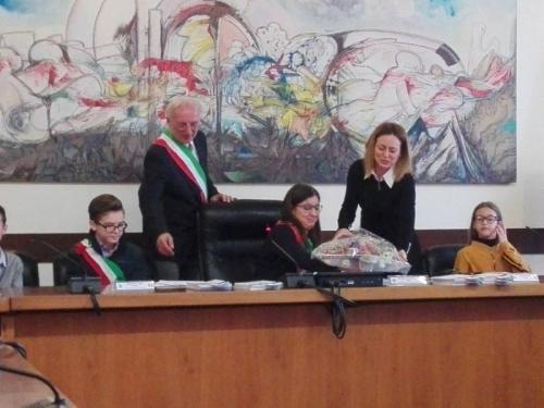 i fiori.....sindaci, assessore e neo vice sindaco