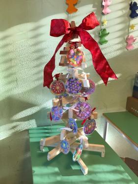 L'albero di Natale decorato con i mandala